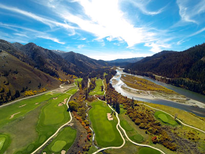 Tom Weiskopf-designed golf course along the banks of the Snake River at Snake River Sporting Club